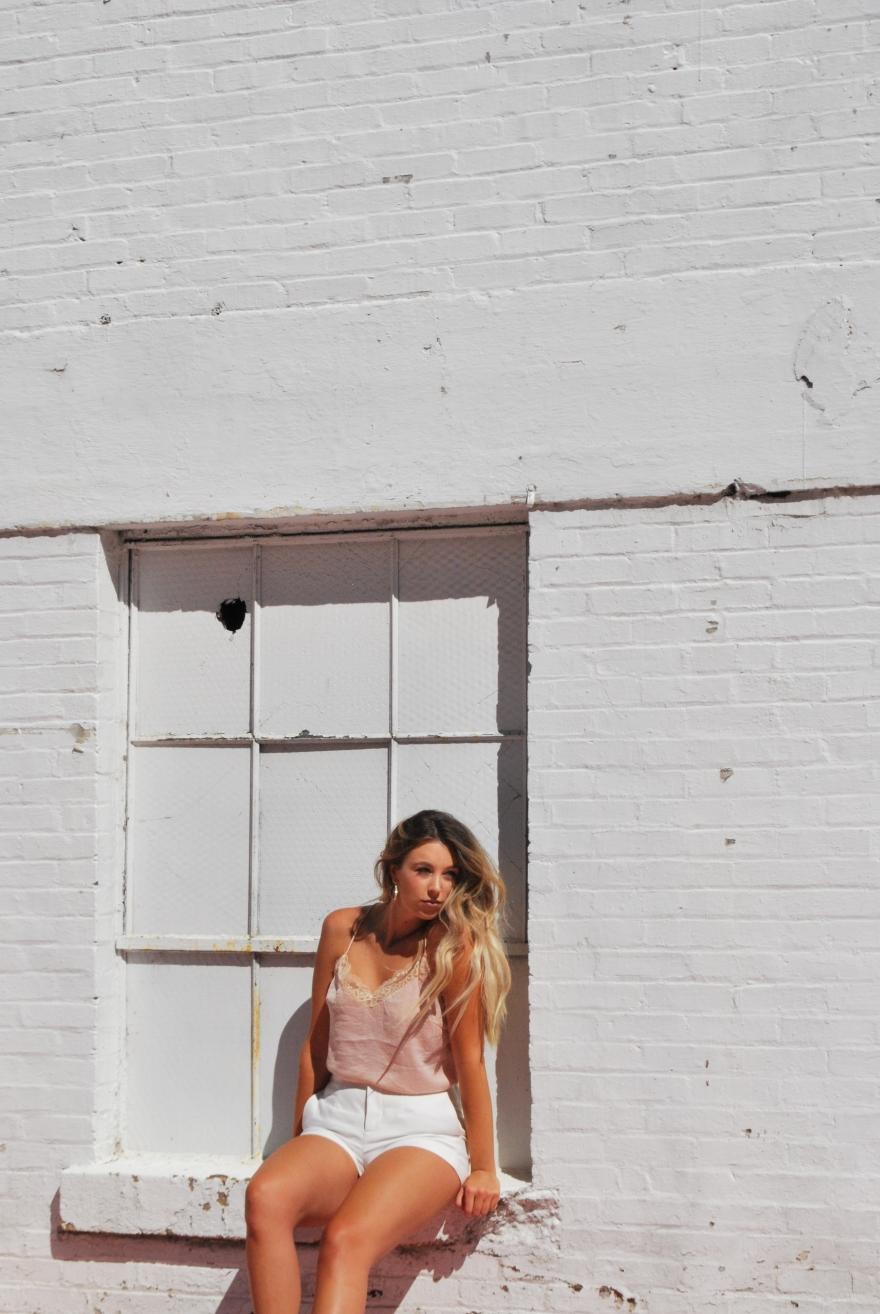 bourbon + vine window photo outfit